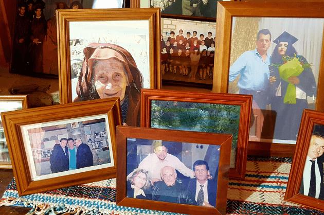 Adonisz-családi-képek